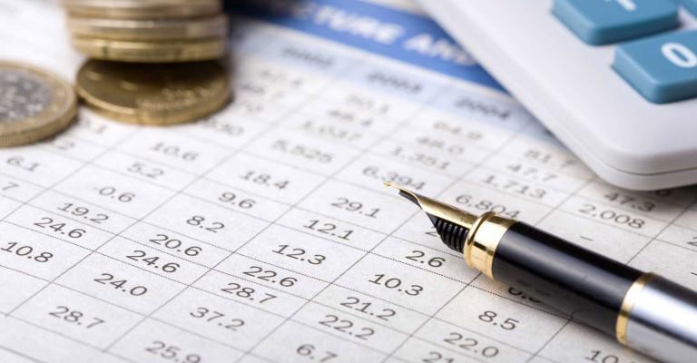 Comptabilité tenue de livres paies rapports d'impôts